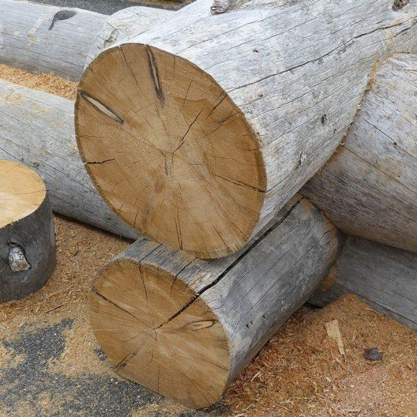 Round log detail